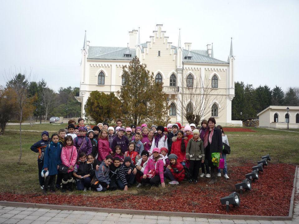 În vizită la Palatul Ruginoasa 2